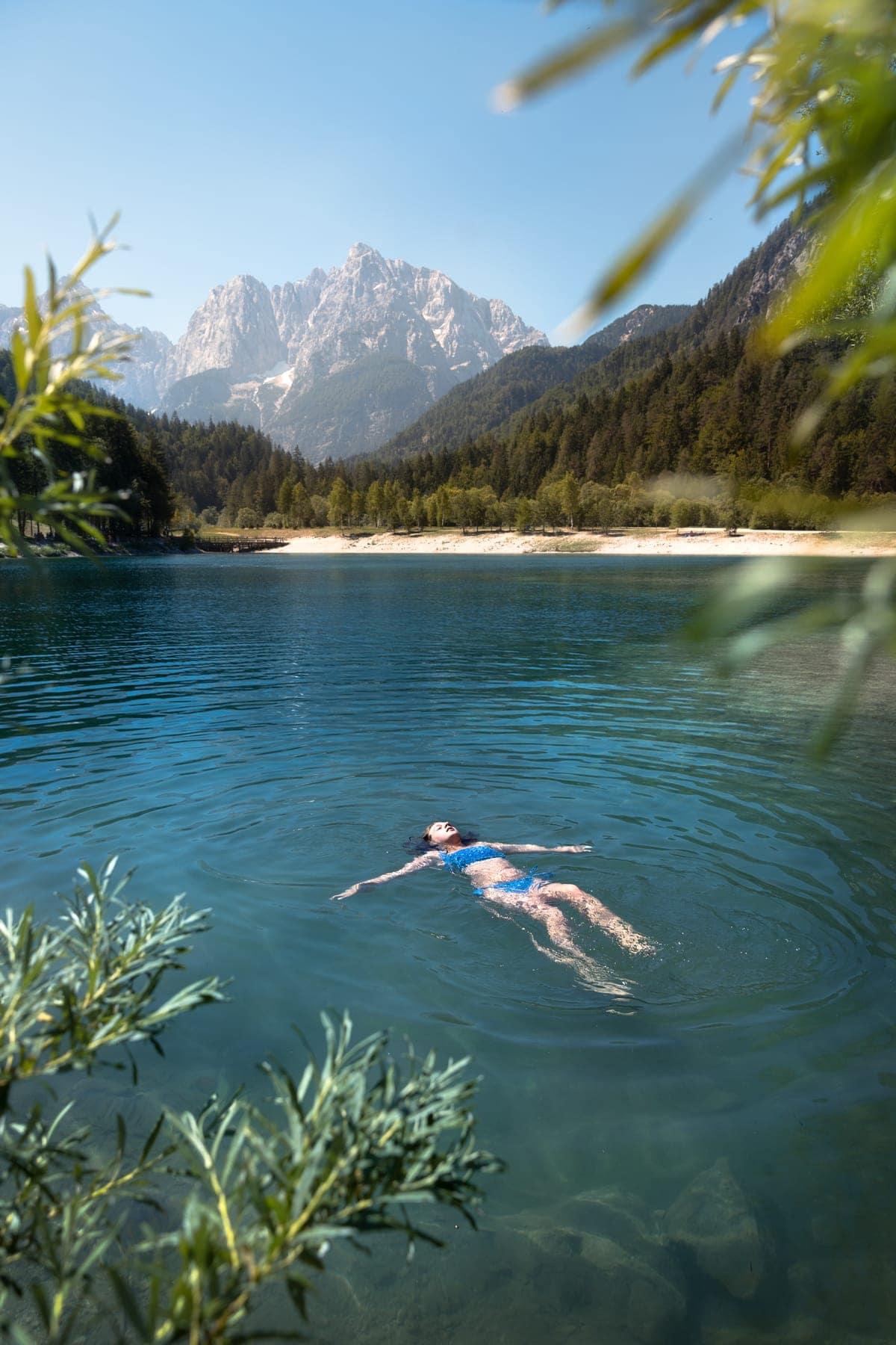 Slovenia_LakeJasna