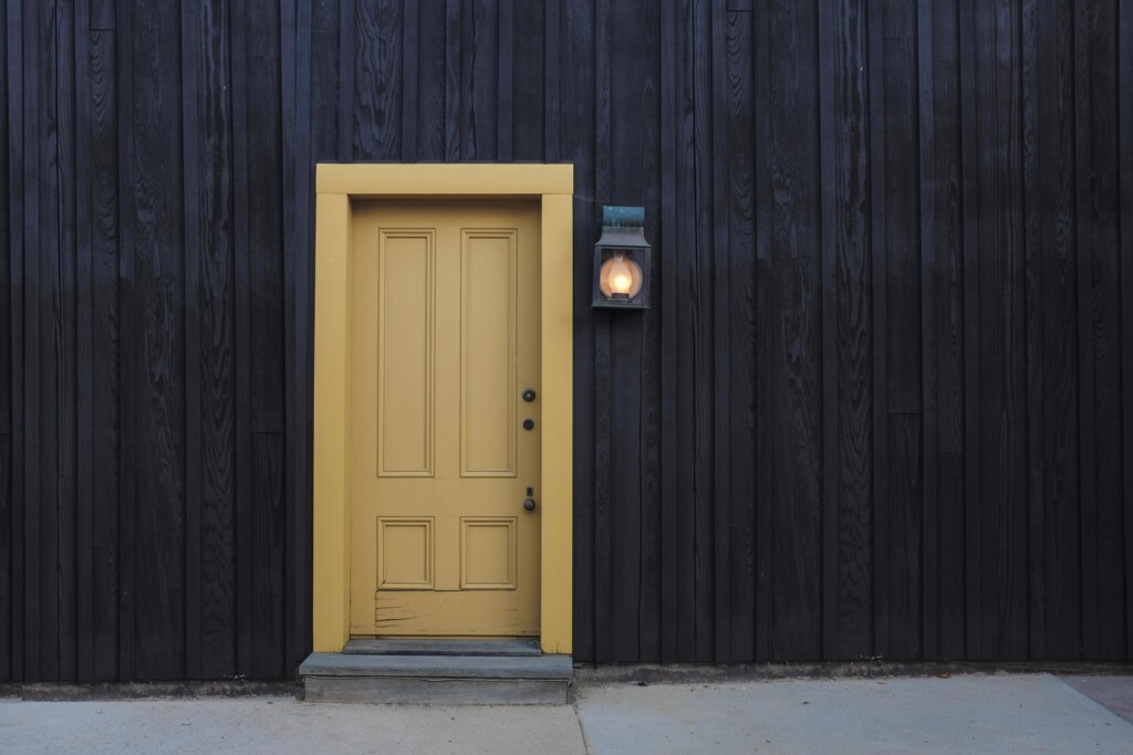 building-door-entrance-exit-277559