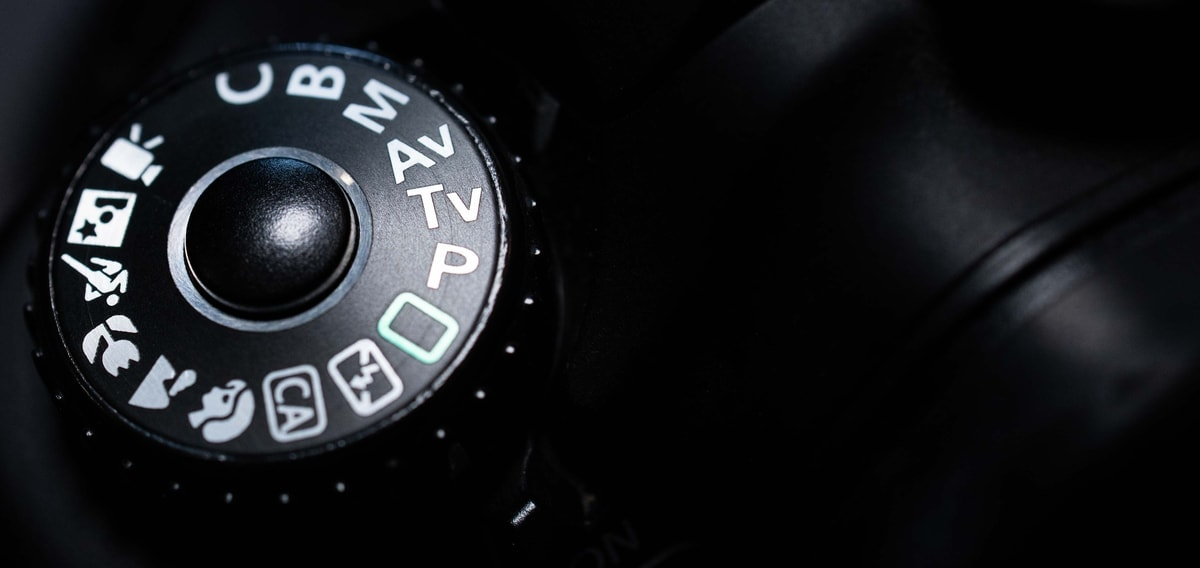 camera modes for beginners to blur the background in their photography