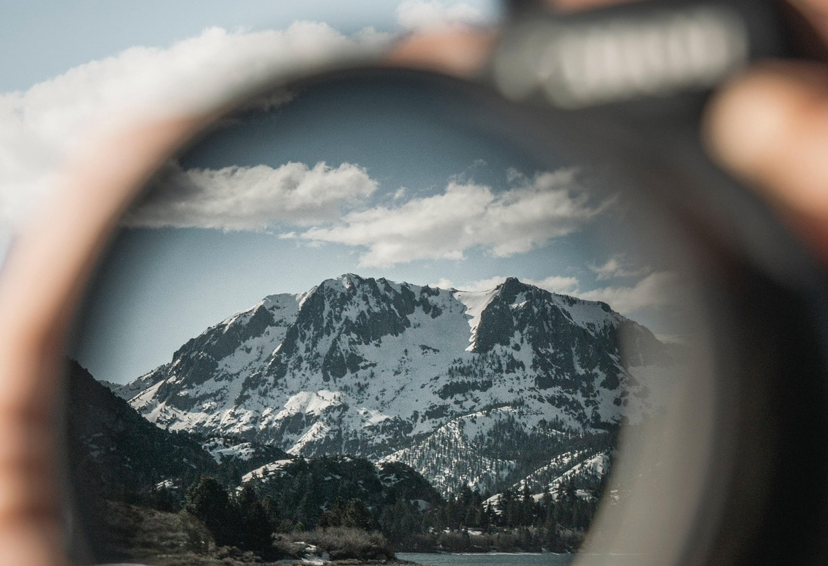 lens filter reflection of mountains