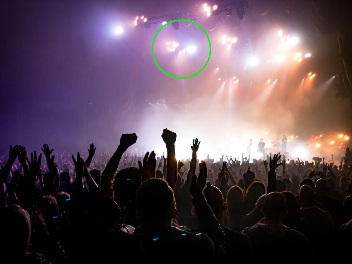 bright-lights-in-concert-photography