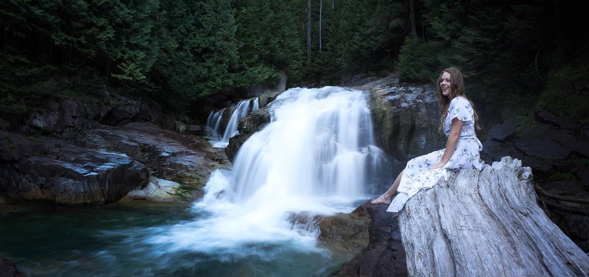 waterfall-portrait-photography