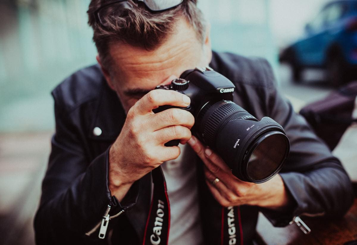 12 Best Tools For Photographers To Improve Their Photography